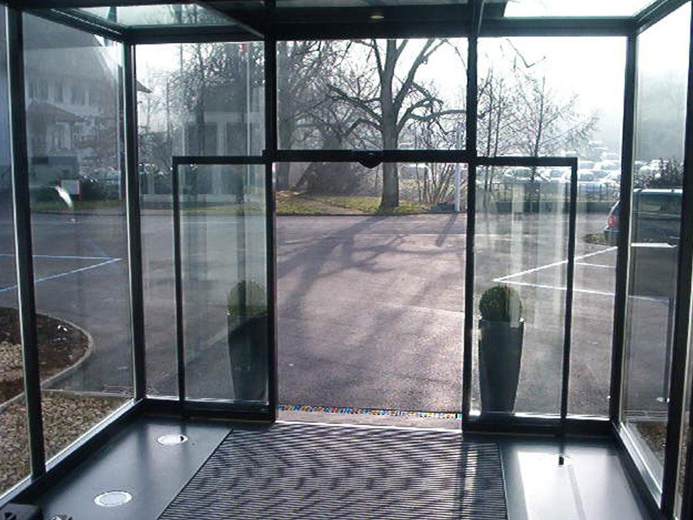 کرکره برقی   مقاله درباره ی شیشه سکوریت - کرکره برقی